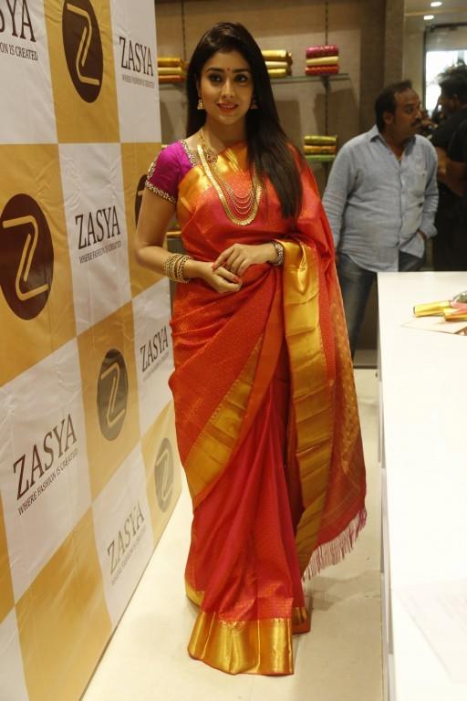 Shriya Saran,actress Shriya Saran,Shriya Saran Latest Pics,Shriya Saran Latest images,Shriya Saran Latest photos,Shriya Saran Latest stills,Shriya Saran Latest pictures