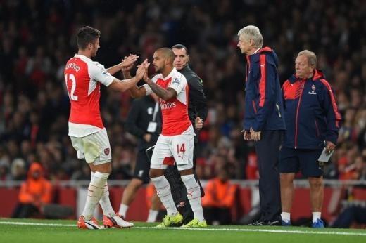 Olivier Giroud Theo Walcott Arsene Wenger Arsenal
