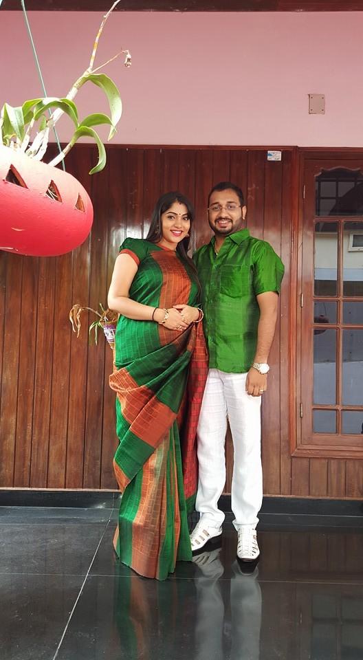 Muktha,muktha daughter,muktha daughter photos,muktha daughter pic,muktha daughter kanmani,actors kids,celebrity kids