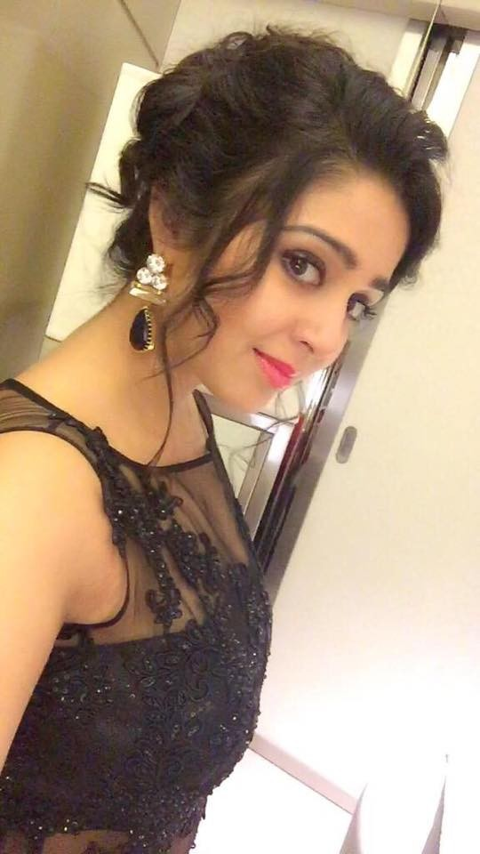 Charmme Kaur,Charmme Kaur SIIMA photos,Charmme Kaur latest,SIIMA awards 2015,SIIMA celebs,Worst dressed celebs at SIIMA 2015