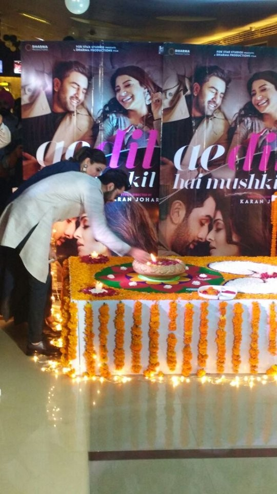 Ranbir Kapoor,Anushka Sharma,Ranbir Kapoor and Anushka Sharma,Ranbir Kapoor celebrates Diwali,Anushka Sharma celebrates Diwali,Ae Dil Hai Mushkil,Ae Dil Hai Mushkil promotion,Ae Dil Hai Mushkil cast