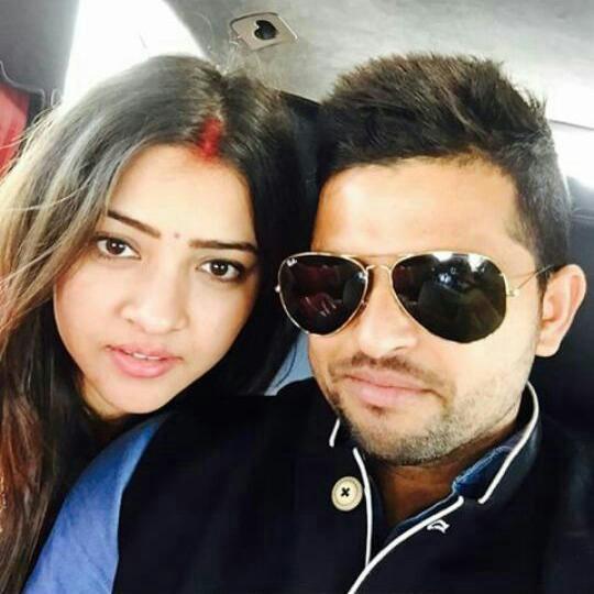 Suresh Raina,suresh raina marriage,Cricketer Suresh Raina,priyanka,selfie,photo
