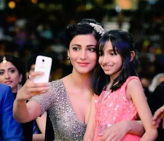 Shruti Hassan,actress Shruti Hassan,Shruti Hassan at SIIMA Awards 2015,SIIMA Awards 2015,SIIMA Awards,SIIMA,Shruti Hassan latest pics,Shruti Hassan latest images,Shruti Hassan latest photos,Shruti Hassan latest stills,Shruti Hassan latest pictures