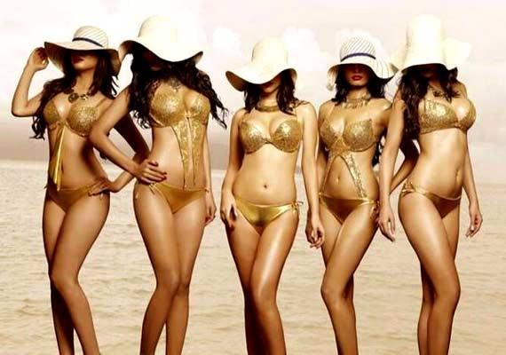 Calendar Girls,Calendar Girls First Look Poster,Calendar Girls First Look,bollywood movie Calendar Girls,Madhur Bhandarkar,Madhur Bhandarkar new movie,Madhur Bhandarkar's Calendar Girls