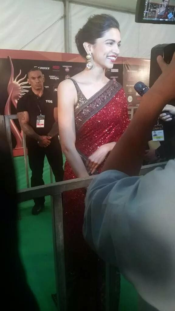 Deepika Padukone at IIFA Awards 2015 Green Carpet,Deepika Padukone at IIFA Awards 2015,Deepika Padukone at IIFA Awards,Deepika Padukone,actress Deepika Padukone,IIFA Awards 2015 Green Carpet,IIFA Awards 2015,IIFA Awards,IIFA 2015
