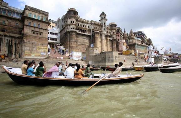 Varanasi Boat capsized