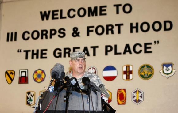 Ford Hood Shooting: Lt. Gen. Mark Milley addresses the media during a news conference at the entrance to Fort Hood Army Post in Texas April 2, 2014. (Photo: Reuters)