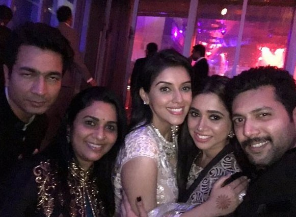 Asin-Rahul wedding Reception,Asin wedding Reception,Asin wedding Reception pics,Asin wedding Reception images,Asin wedding Reception photos,Asin wedding Reception stills,Asin wedding Reception pictures,Asin Thottumkal,Rahul Sharma,Rahul Sharma wedding Rec