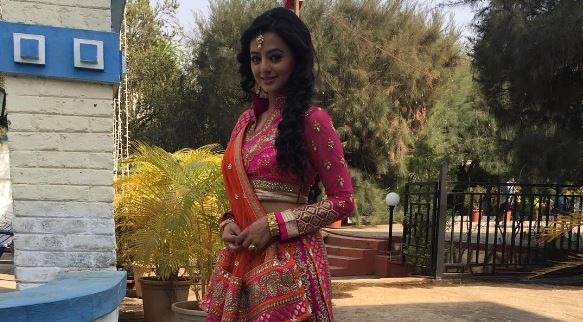 "Helly Shah and other contestants on ""Jhalak Dikhhla Jaa 9."" Pictured: ""Swaragini"" actress Helly Shah aka Swara"