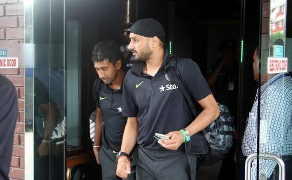 Indian Cricket Team have landed in Bangladesh,Indian Cricket Team,India vs Bangaldesh,Bangladesh,Cricket Team,team india,Virat Kohli,Harbhajan Singh
