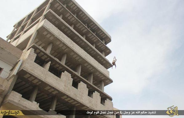 A man accused of being gay, was thrown down from the building by ISIS.