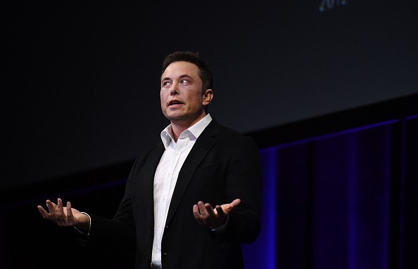 Elon Musk says SpaceX will make 'short flights' to Mars next year