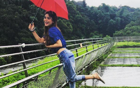 Sara Khan bags her second Pakistani show