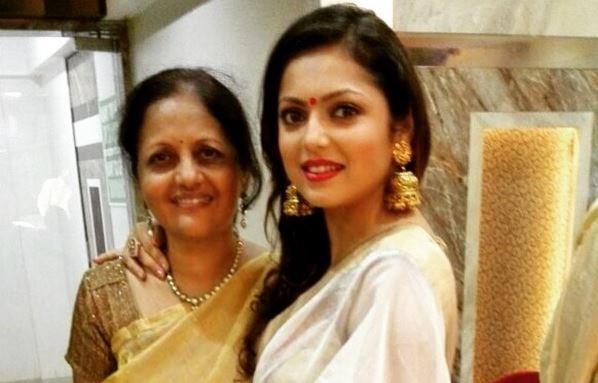 """Drashti Dhami to play Gayatri's daughter after """"Ek Tha Raja Ek Thi Rani"""" leap. Pictured: Drashti Dhami"""
