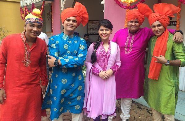 "Nidhi Bhanushali aka Sonu of ""Taarak Mehta Ka Ooltah Chashmah"" scores high in SSC exam. Pictured: ""Taarak Mehta Ka Ooltah Chashmah"" actors Bhavya Gandhi, Nidhi Bhanushali and others"