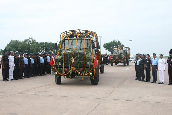 Former President Dr. APJ Abdul Kalam's mortal remains to leave for Rameshwaram,Dr. APJ Abdul Kalam's mortal remains,Former President Dr. APJ Abdul Kalam,Dr. APJ Abdul Kalam,Dr. APJ Abdul Kalam body,APJ Abdul Kalam,APJ Abdul Kalam dies,APJ Abdul