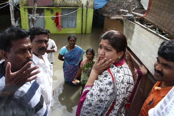 Siddharth,RJ Balaji,Siddharth,RJ Balaji,Siddharth and RJ Balaji,Chennai floods,Chennai Rains,Chennai rescue