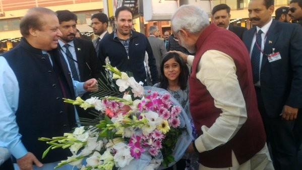 Indian PM Narendra Modi,Narendra Modi,Narendra Modi meets Nawaz Sharif,Indian PM Narendra Modi meets Pakistan PM Nawaz Sharif,Nawaz Sharif,modi meets Nawaz Sharif