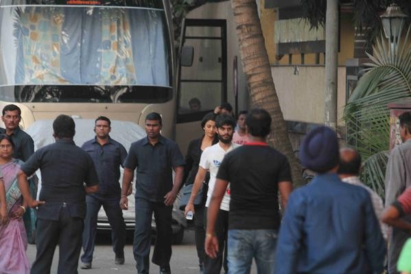 Aishwarya Rai Bachchan Clicked While Shooting on 'Jazbaa' Movie Sets