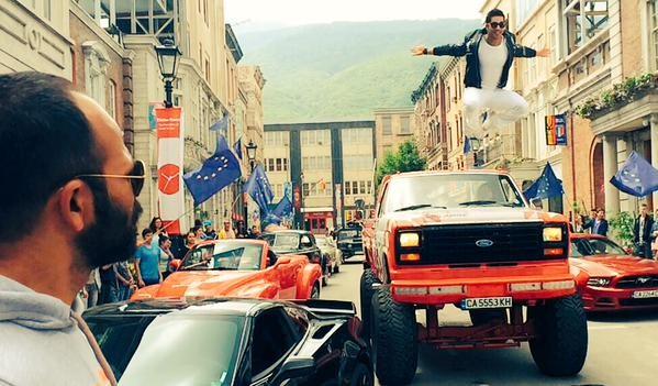 Varun Dhawan in Fun Mode On Sets of 'Dilwale' in Bulgaria