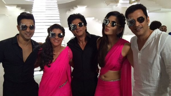 Shah Rukh Khan, Kajol, Varun Dhawan, Kriti Sanon, Ganesh Hegde in 'Tukur Tukur' song