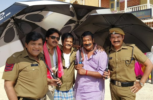 Pawan Kalyan with other cast on Sardaar Gabbar Singh set