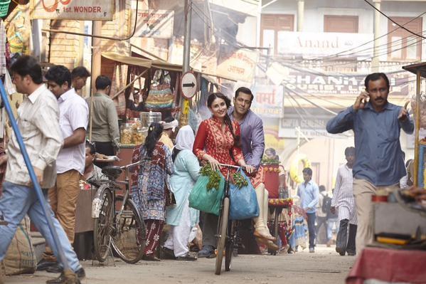 Salman Khan cycling in Bajrangi Bhaijaan