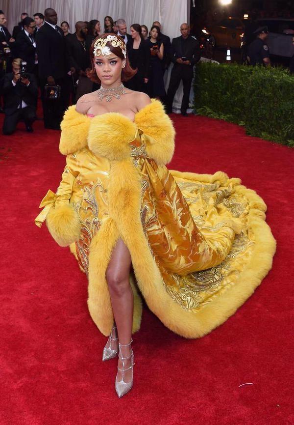 Rihanna,actress Rihanna at Met Gala 2015 Red Carpet,hollwood actress Rihanna at Met Gala 2015 Red Carpet,hollywood actress Rihanna,Met Gala 2015,Met Gala,Rihanna pics,Rihanna images,Rihanna photos,Rihanna stills,Rihanna pictures,hot Rihanna,Rihanna hot pi