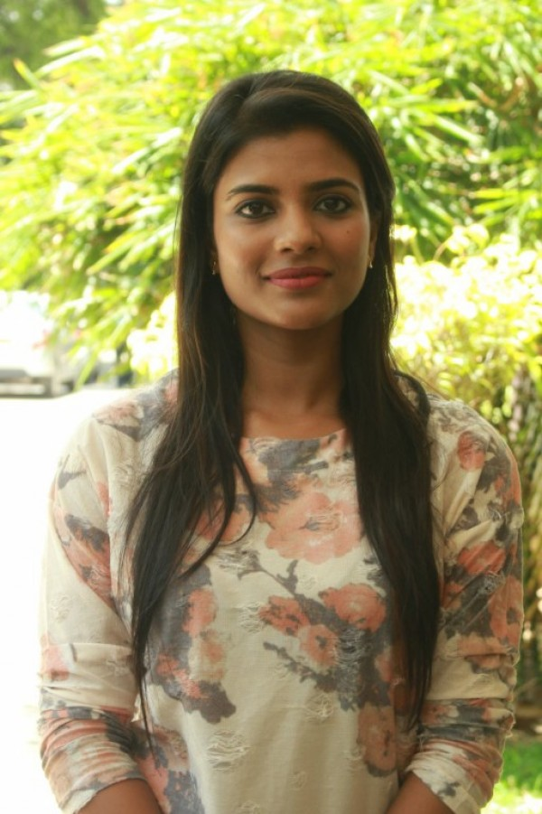 aishwarya rajesh in jomonte - photo #27