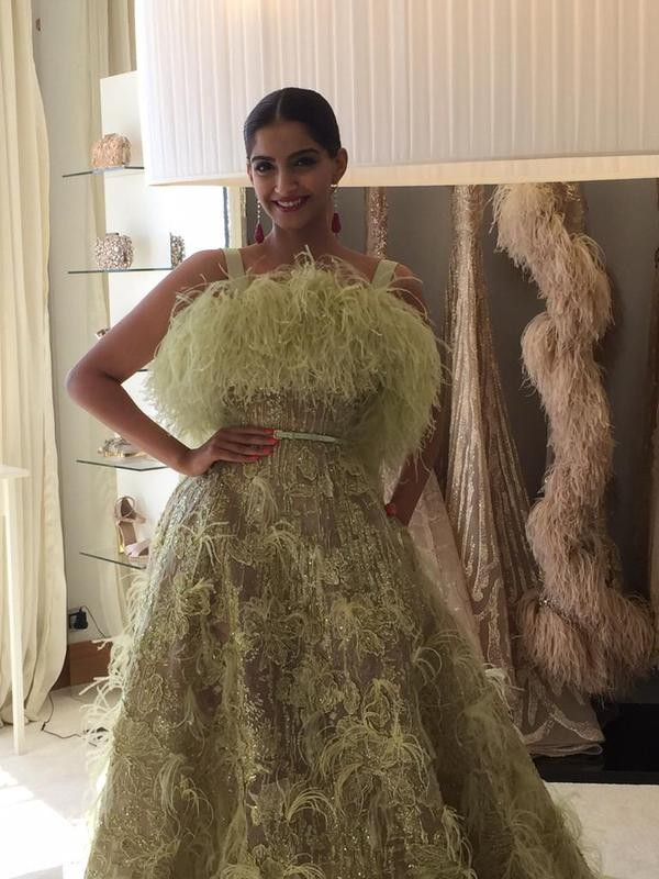 Sonam Kapoor at Cannes Film Festival 2015,Sonam Kapoor at Cannes,Sonam Kapoor,actress Sonam Kapoor,Sonam Kapoor pics,Sonam Kapoor images,Sonam Kapoor photos,Sonam Kapoor stills,Sonam Kapoor Cannes,Cannes Film Festival 2015,68th Cannes Film Festival 2015,C