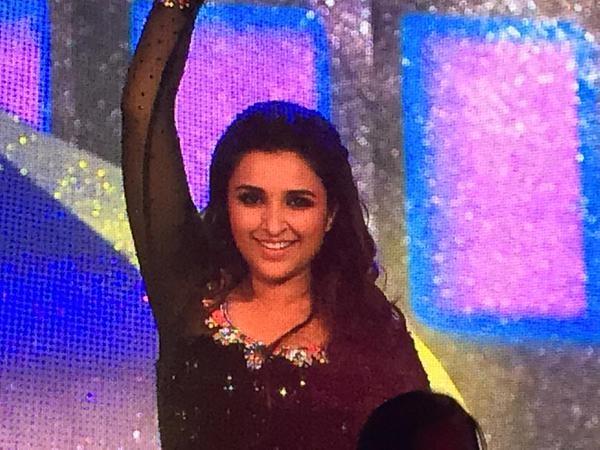 Parineeti Chopra at AIBA 2015,Parineeti Chopra performing dance AIBA 2015,AIBA 2015,Parineeti Chopra,actress Parineeti Chopra,Parineeti Chopra pics,Parineeti Chopra images Parineeti Chopra stills,AIBA 2015 pics,AIBA awards,AIBA awards pics,AIBA awards ima