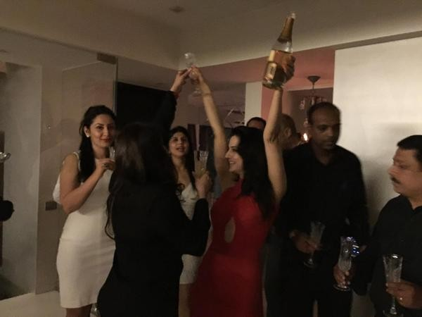 Ameesha Patel,Ameesha Patel Birthday Celebration,Ameesha Patel Birthday Celebration pics,Ameesha Patel Birthday Celebration images,Ameesha Patel Birthday Celebration photos,Ameesha Patel Birthday Celebration stills,Ameesha Patel Birthday party,Ameesha Pat