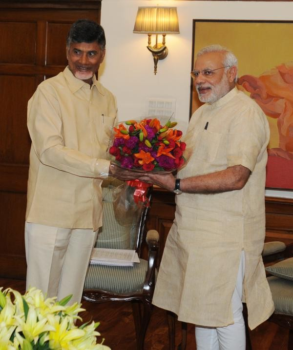 Chandrababu Naidu meets PM Narendra Modi,Cash-for-vote scam,Phone tapping,Chandrababu Naidu,Narendra Modi,Prime Minister Narendra Modi,Andhra Pradesh Chief Minister Chandrababu Naidu,Andhra Pradesh Chief Minister