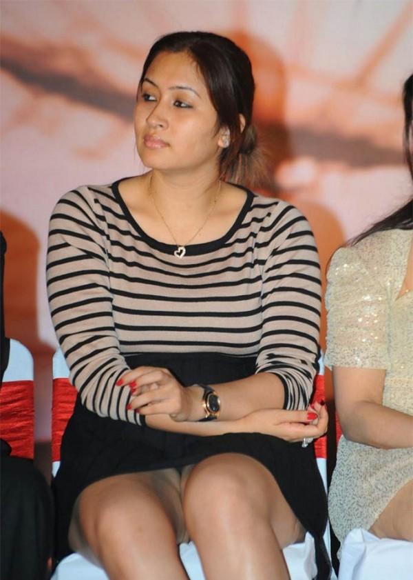 Shocking Wardrobe Malfunctions Of Bollywood Celebs