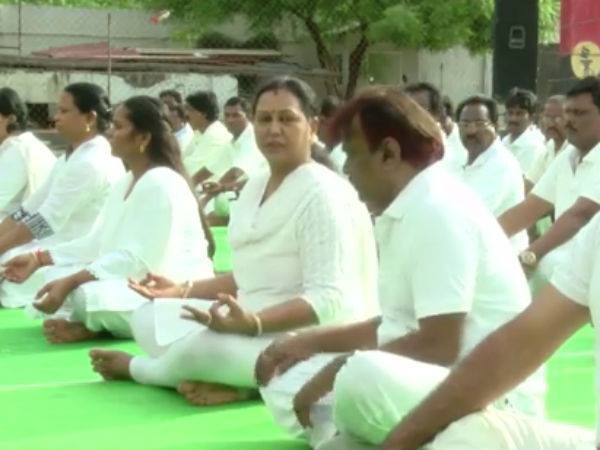 Vijayakanth,Vijayakanth Performing Yoga on a International Yoga Day,DMDK Chief Vijayakanth,International Yoga Day,Vijayakanth doing Yoga,21 June International Yoga Day,International Yoga Day 2015,2015 International Yoga Day