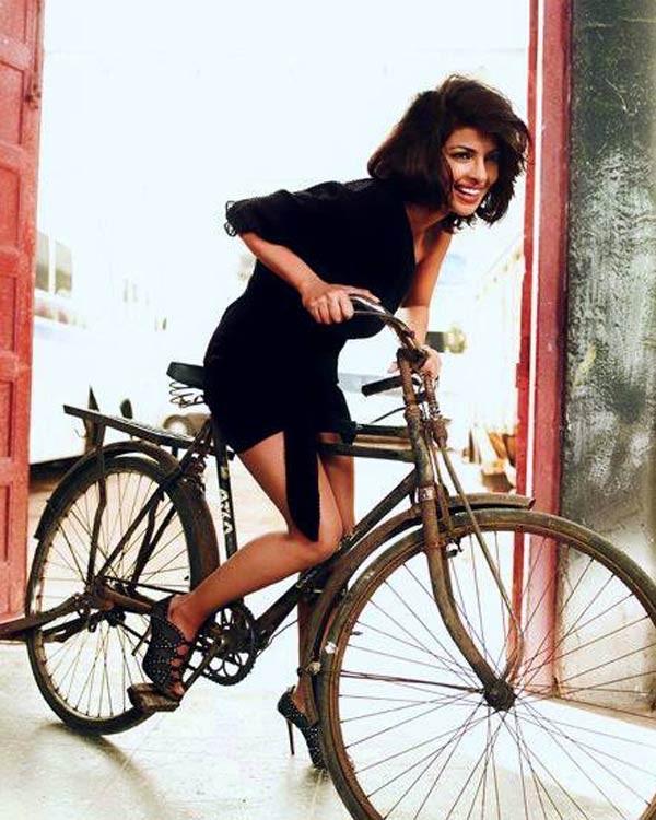 Shahrukh Khan,Salman Khan,SRK,Shahrukh Khan Cycling,Salman Khan Cycling,celebs who love Cycling,celebs Cycling,Celebrities on Cycling,Cycling Celebs,cycling celebrities,Shah rukh Khan