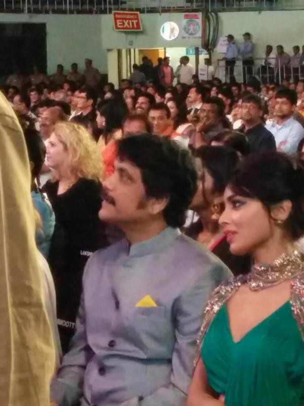 Nagarjuna,actor Nagarjuna,Nagarjuna at 62nd Filmfare Awards,Nagarjuna at Filmfare Awards,Filmfare Awards,Filmfare Awards 2015,filmfare awards south,62 Filmfare Awards South 2015,Filmfare Awards pics,Filmfare Awards images,Filmfare Awards photos,Filmfare A