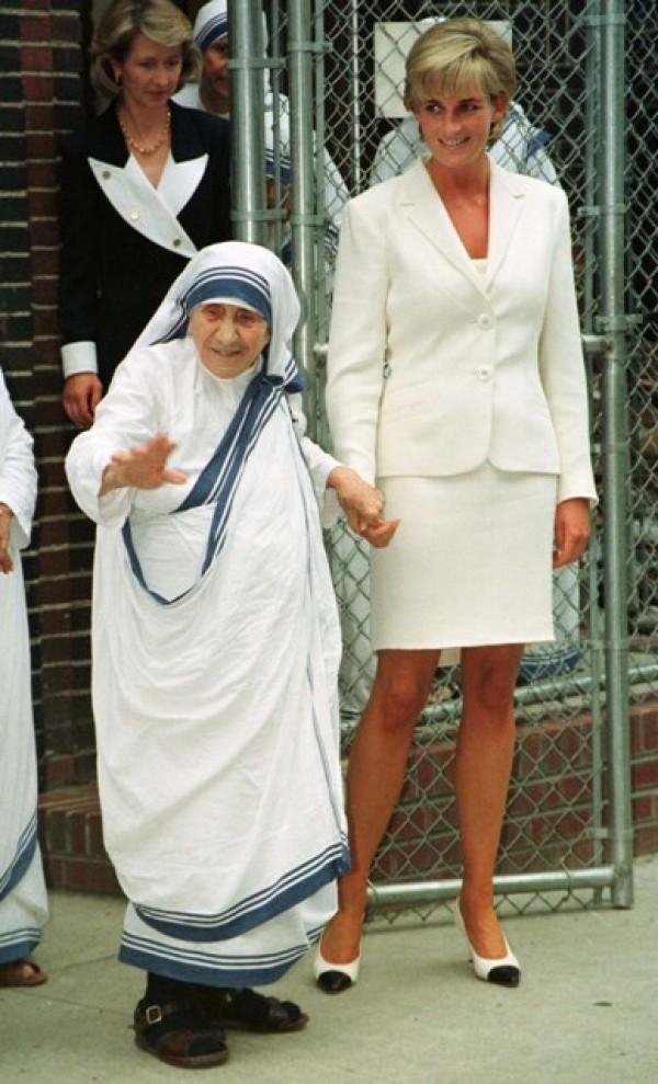 Happy Birthday Princess Diana: Rare and Unseen Photos of ...