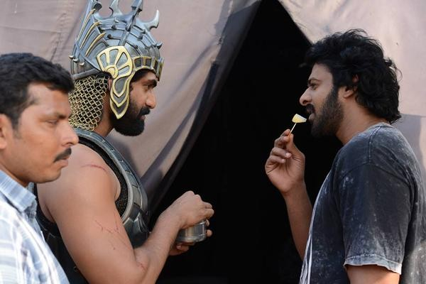 Baahubali,Baahubali Movie Working Stills,Baahubali Movie Working pics,Baahubali Movie Working images,Baahubali on the sets,SS Rajamouli,prabhas