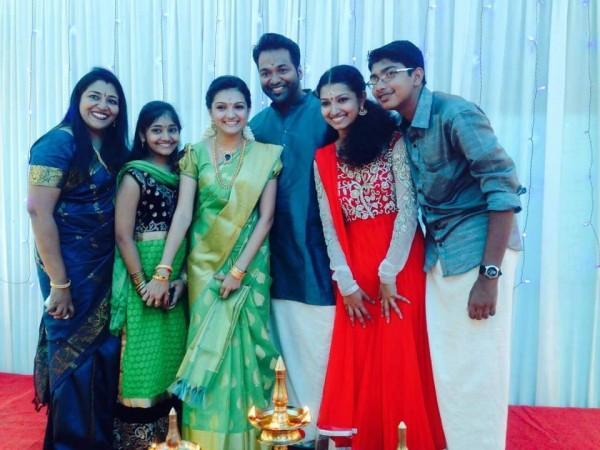 Saranya Mohan Engagement Pics