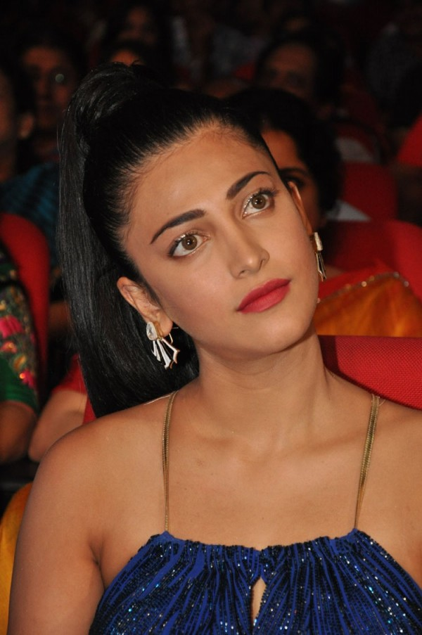 Shruti Haasan At Srimanthudu Audio Launch Photos Images Gallery 22799