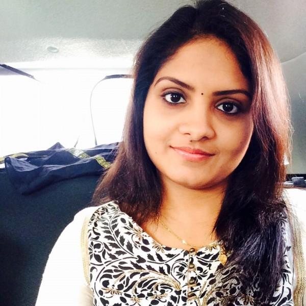 Parasparam' Actress Gayathri Arun aka Deepthi IPS - Photos