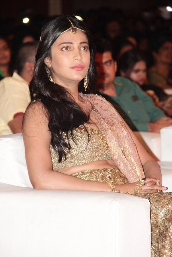 Shruthi Hassan at Vijay's Puli Audio Launch,Shruthi Hassan at Puli Audio Launch,Puli Audio Launch,Puli music Launch,Shruthi Hassan,actress Shruthi Hassan,Shruthi Hassan latest pics,Shruthi Hassan latest images,Shruthi Hassan latest photos,Shruthi Has