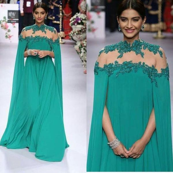 Sonam Kapoor,Actress Sonam Kapoor,Sonam Kapoor at IIJW 2015 Inauguration Ceremony,Sonam Kapoor at IIJW 2015,IIJW 2015,Sonam Kapoor latest pics,Sonam Kapoor latest images,Sonam Kapoor latest photos,Sonam Kapoor latest stills,Sonam Kapoor latest pictures