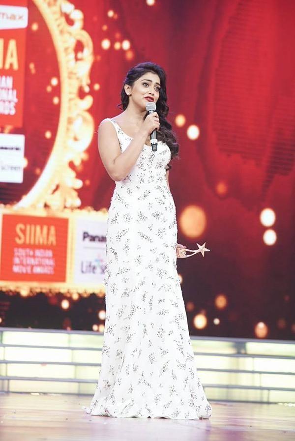 Shriya Saran,actress Shriya Saran,Shriya Saran at SIIMA Awards 2015,SIIMA Awards 2015,SIIMA Awards,SIIMA,SIIMA 2015,Shriya Saran latest pics,Shriya Saran latest images,Shriya Saran latest photos,Shriya Saran latest stills,Shriya Saran latest pictures