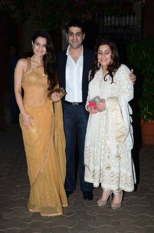 Sushmita Sen Ameesha Patel And Others At Queenie Singhs Wedding Bash