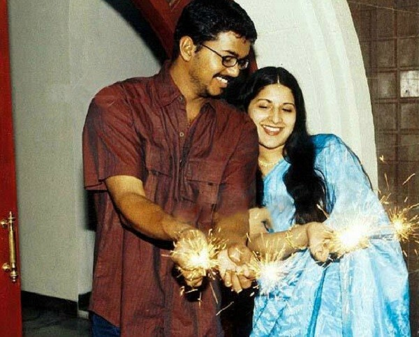 Vijay,ilayathalapathy vijay,ilayathalapathy,Vijay and Sangeetha,Vijay wedding day,Happy Anniversary Vijay,Vijay and Sangeetha rare pics,Vijay and Sangeetha rare images,Vijay and Sangeetha rare photos,Vijay and Sangeetha unseen pics,Vijay and Sangeetha uns