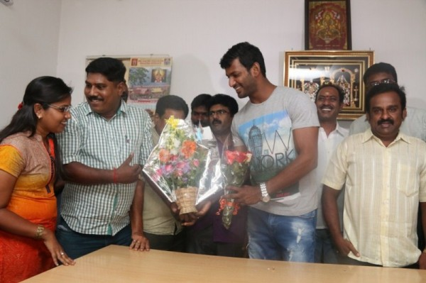 actor vishal birthday celebration pictures photos