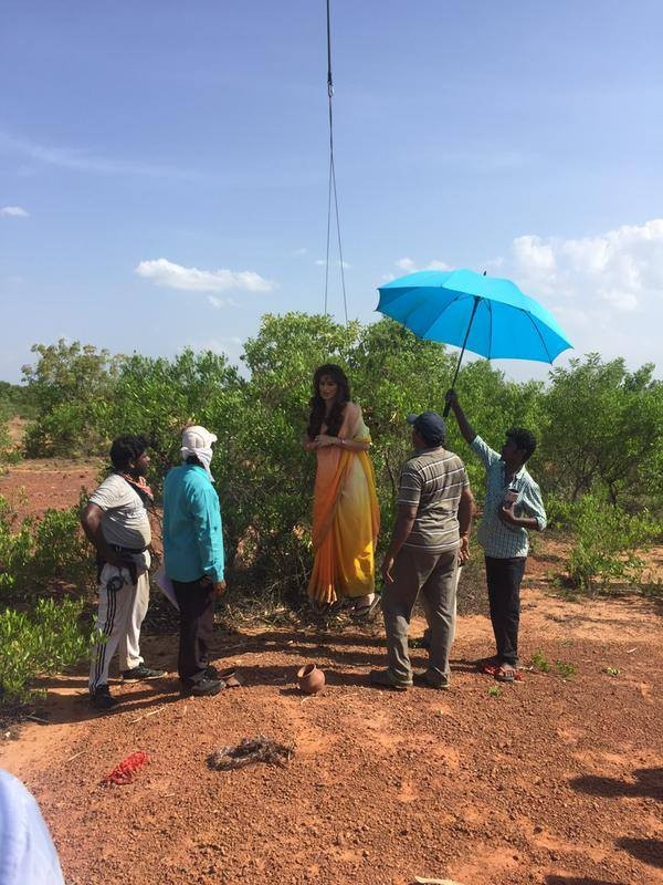 Raai Laxmi Injured During Sawkarpettai Stunt Shooting Photos Images Gallery 29036