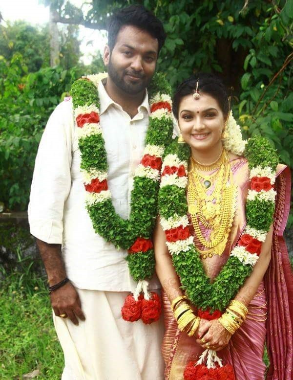 Saranya MohanSaranya Mohan Wedding PhotosSaranya MarriageSaranya
